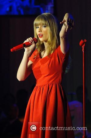 Taylor Swift, Christmas, Westfield, London, England and Westfield Shopping Centre