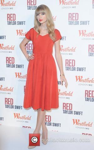 Taylor Swift, Christmas, Westfield, London and England