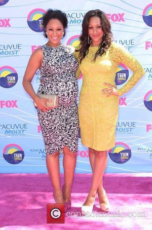Tamera Mowry and Tia Mowry  at the 2012 Teen Choice Awards held at the Gibson Amphitheatre - Arrivals Universal...