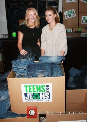 Julianne Hough and Kristen Bell