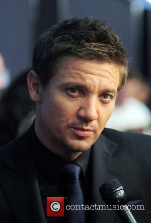 Jeremy Renner Got 'Bourne' Script From Mysterious Midnight Caller