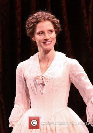 Jessica Chastain's Broadway Debut Draws Mixed Reviews