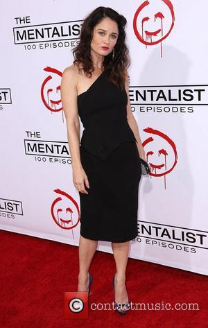 Actress Robin Tunney Engaged
