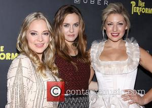 Jenni Barber, Alicia Silverstone, Ari Graynor, The Performers and Espace. New York City