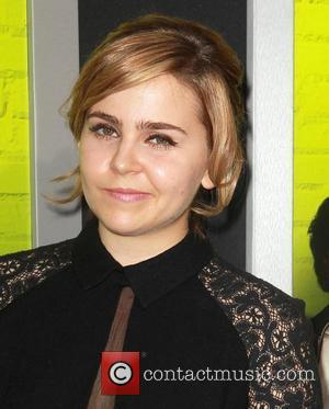 Mae Whitman  The Los Angeles Premiere of 'The Perks of Being a Wallflower' at the ArcLight Cinerama Dome -...