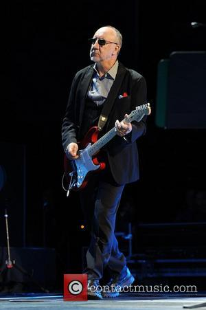 Pete Townshend Quits The Who Show During Encore