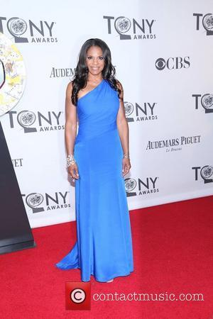 Audra Mcdonald Out Of Broadway Hit With Inflamed Vocal Cords