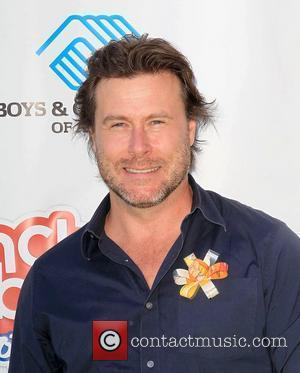 "Dean McDermott Admits Sex With Tori Spelling ""Wasn't Fantastic"", In Couples Therapy Session"