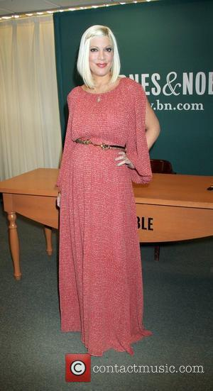 Tori Spelling signs copies of her new book, 'CelebraTori' at Barnes and Noble 5th Avenue New York City, USA -...