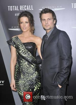 Len Wiseman, Kate Beckinsale  Los Angeles premiere of 'Total Recall' at Grauman's Chinese Theatre Hollywood, California - 01.08.12