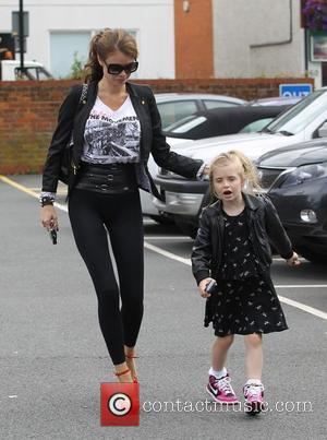 Lauren Pope, Chloe Sims and her daughter Madison head to a hairdressers in Brentwood Essex, England - 08.08.12
