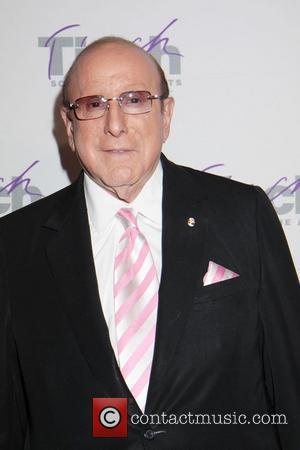 Clive Davis To Accept Italian Legend Award