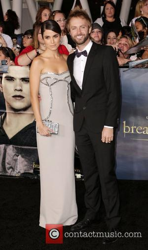 Nikki Reed Misses Twilight Premiere To Sign Autographs