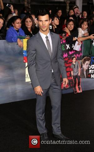 Breaking Dawn Red Carpet: Taylor Lautner In Twilight Musical?