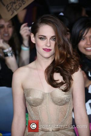 Twilight Saga - Where's The Real Drama? The Movie Premiere Or Robert Pattinson and Kristen Stewart's Love Affair?