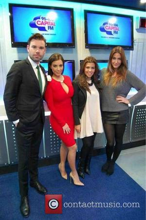 Dave Berry has posted this image on Twitter with the caption ' @958capbreakfast @kimkardashian @Lisa_Snowdon @kourtneykardash Look! It's us....in a...
