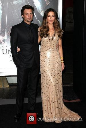 Len Wiseman and Kate Beckinsale Premiere of Screen Gems' 'Underworld: Awakening' at the Grauman's Chinese Theatre - Arrivals Los Angeles,...
