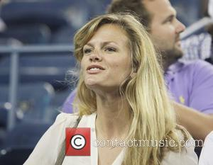Brooklyn Decker Cries At Andy Roddick's Final Tennis Match
