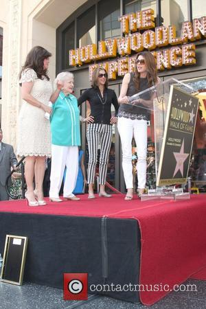 Valerie Bertinelli, Betty White, Wendie Malick, Jane Leeves  Valerie Bertinelli is honored with the 2,476th star on the Hollywood...