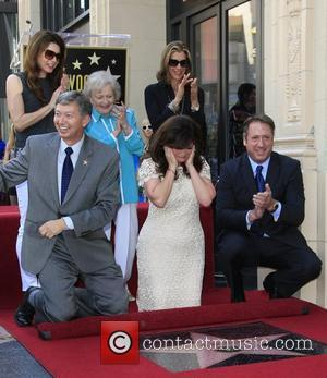 Valerie Bertinelli, Betty White, Jane Leeves, Wendy Malick and Leron Gubler Valerie Bertinelli is honored with the 2,476th star on...