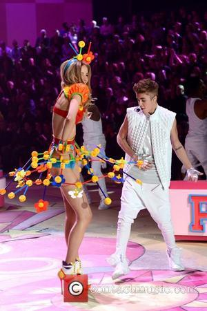 Justin Bieber and Selena Gomez Break Up Over 'Crazy Schedules'