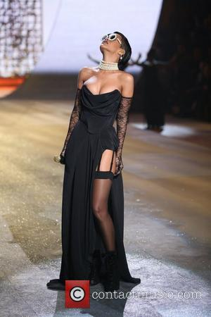 Rihanna wears black at Victoria's Secret
