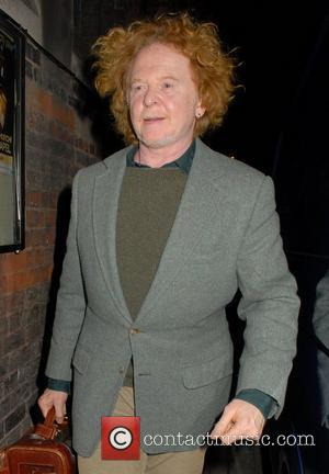 Rod Stewart Delighted Mick Hucknall Took His Faces Place