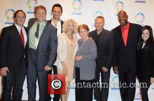 Jay Mohr, Nancy Allen, Paul Reiser and Steve Valentine