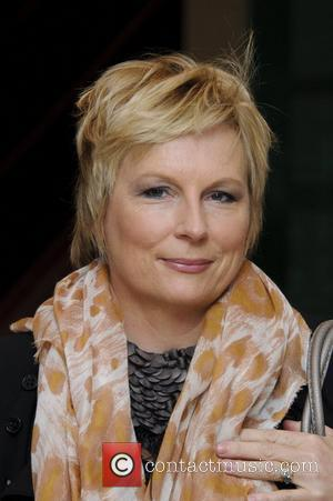 Jennifer Saunders To Embark On Cancer Awareness Half-marathon
