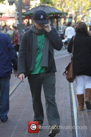 Zach Braff christmas shopping in The Grove where he bought a new laptop at the Apple store. Los Angeles, California...