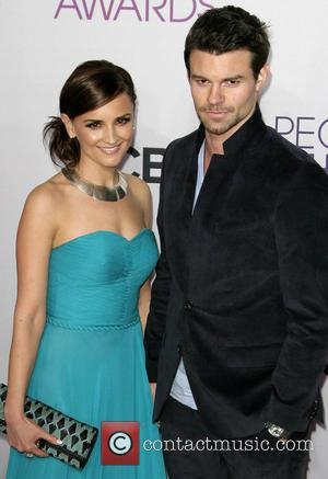 Rachael Leigh Cook and DANIEL GILLES - 39th Annual People's Choice Awards at Nokia Theatre L.A. Live - Arrivals -...