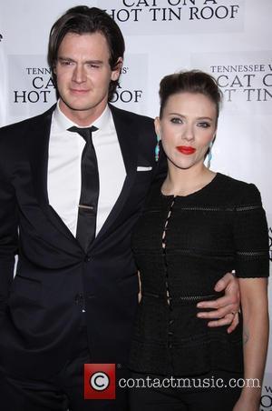 Benjamin Walker and Scarlett Johansson