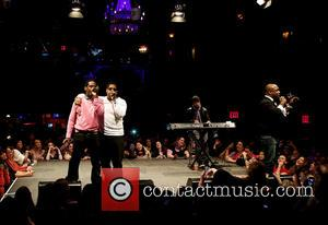 Boyz Ii Men Help Fan Propose