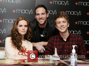 Zoey Deutch and Thomas Mann