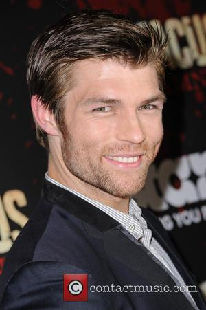 'Spartacus' Actor Liam McIntyre Marries Longtime Girlfriend Erin Hasan