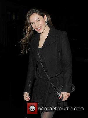 Kelly Brook Single Again After Split