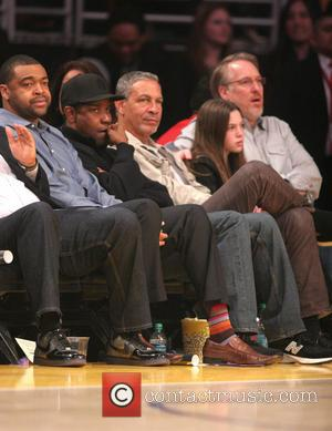 Denzel Washington - Celebrities watch the LA Lakers