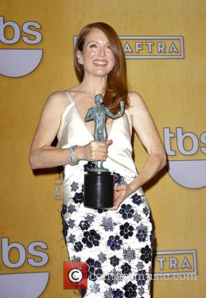 Julianne Moore wins at the SAG Awards