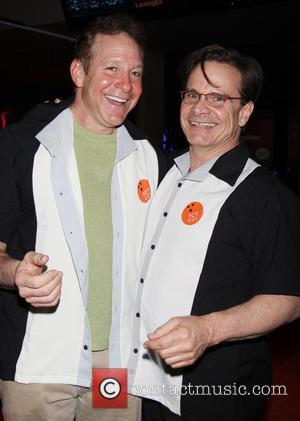 Steve Guttenberg and Peter Scolari