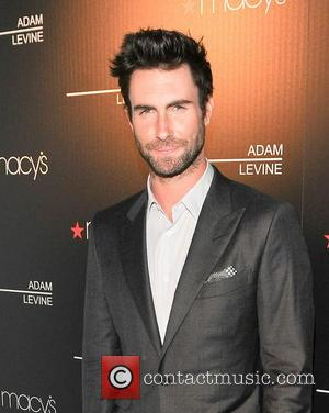 Adam Levine Certainly 'Moves Like Jagger': He Is Engaged To Model Behati Prinsloo