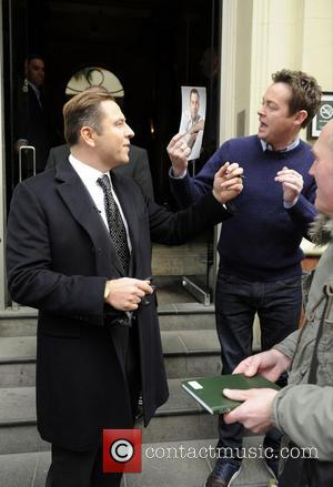 David Walliams Gives BGT Host, Stephen Mulhern an Autograph