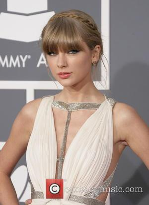 Taylor Swift - Taylor Swift Grammys Fashion