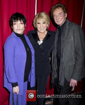 Liza Minnelli, Barry Manilow and Lorna Luft - Liza Minnelli and Barry Manilow visit Lorna Luft backstage at Birdland -...