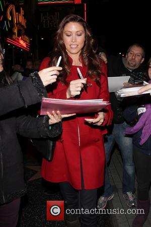 Shannon Elizabeth - LA Premiere of 'Jekyll and Hyde' Departures - Los Angeles, California, United States - Tuesday 12th February...