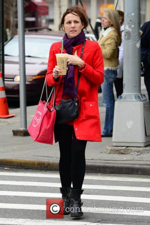 Molly Shannon - Molly Shannon seen hailing for a taxi in Manhattan at New York - New York City, New...
