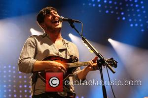 Mumford - Mumford and Sons performing live in concert