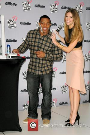 Brooklyn Decker and Ray Rice - Gillette's Largest Shave & Kiss Valentine's Day Event - New York City , New...