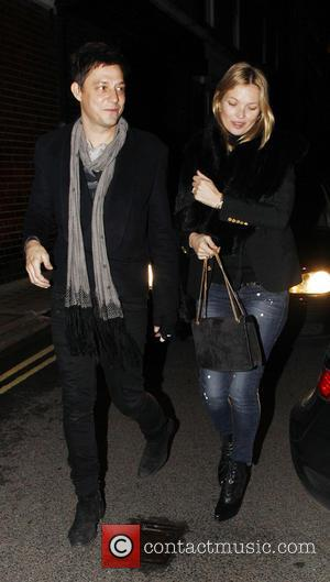 Jamie Hince and Kate Moss - Kate Moss and her husband, Jamie Hince  leave Umu Japanese restaurant - London,...