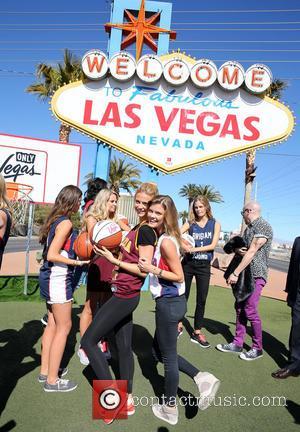 Kate Bock and Nina Agdal - Sports Illustrated Swimsuit models photocall - Las Vegas, Nevada, United States - Thursday 14th...
