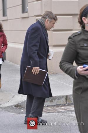 Alec Baldwin - Alec Baldwin is pursued by NY Post...